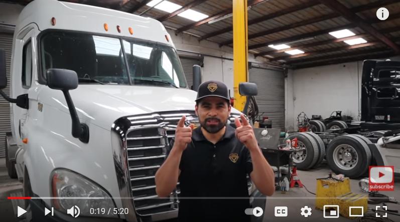 DD15, Diesel Semi-truck, Oil leak, Low oil pressure