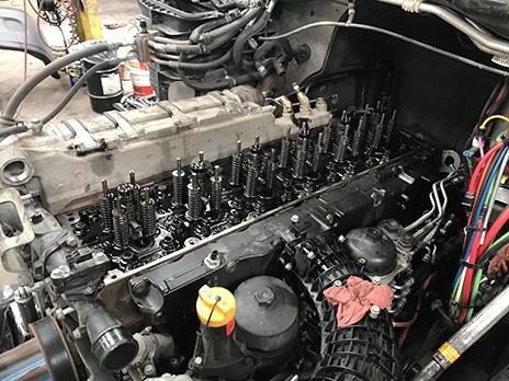 Detroit DD15 Head Gasket Leaking